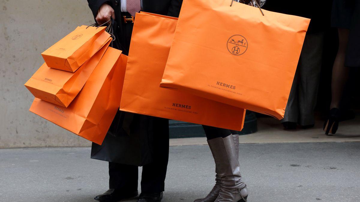Maloobchodní tržby vČesku téměř oprocento zpomalily růst