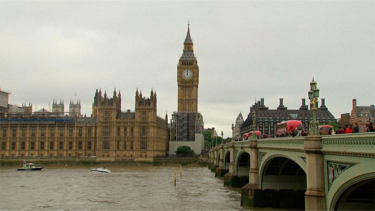 Británie vsadí na vodík. Chce jím snížit emise nejen uaut, ale iutopení