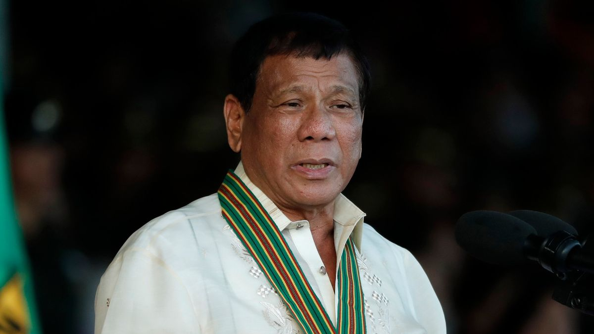 Filipínský prezident Duterte chce Kanadě vyhlásit válku. Kvůli odpadkům