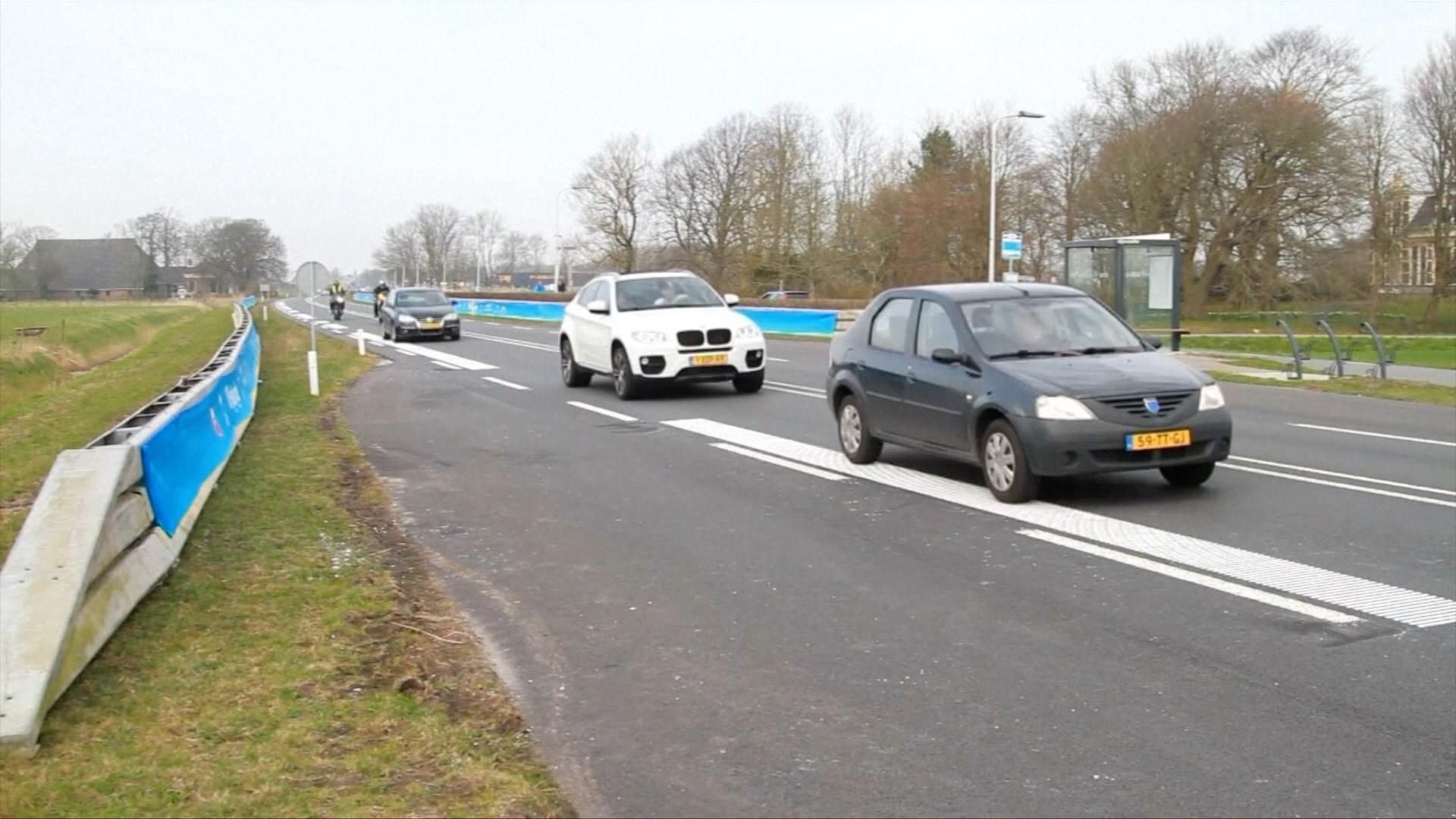 Con đường siêu lãng mạn ở Hà Lan: Xe lăn bánh đến đâu, nhạc vang lên tới đó