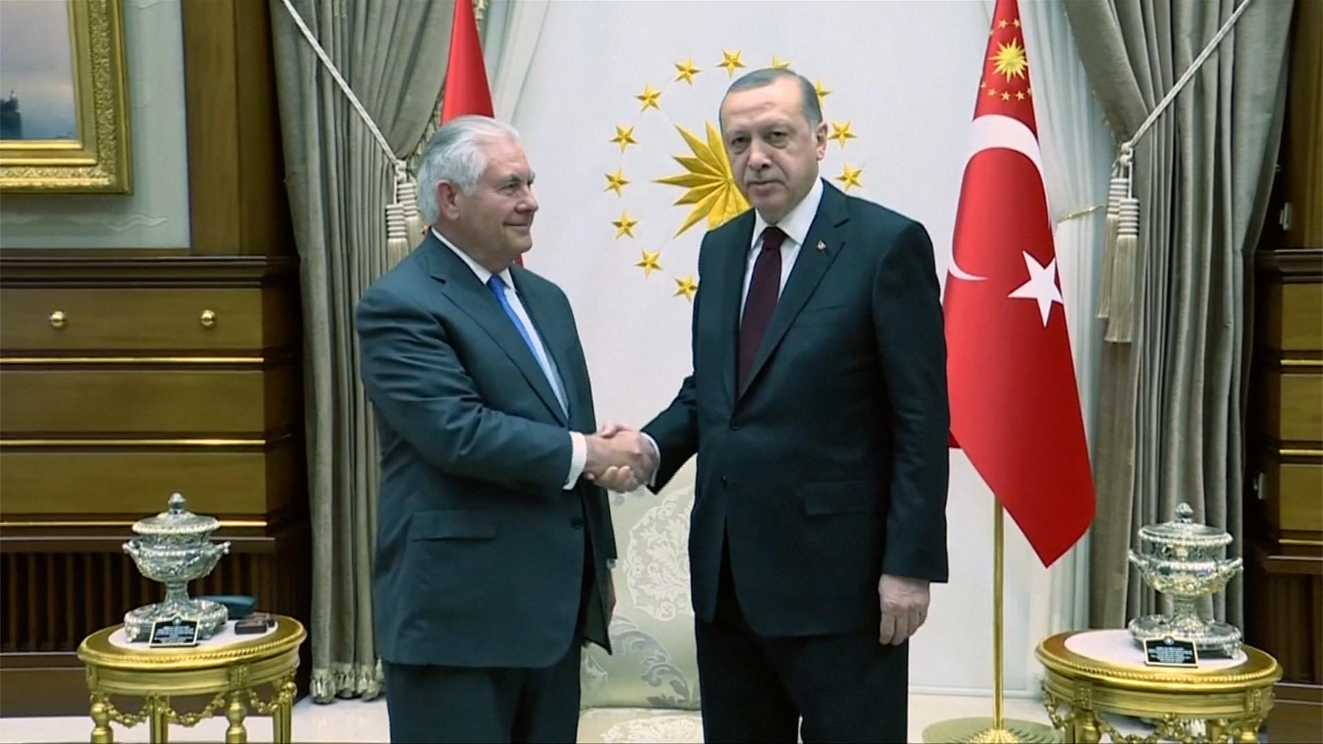 USA a Turecko chtějí normalizovat vzájemné vztahy, mají společné cíle v Sýrii