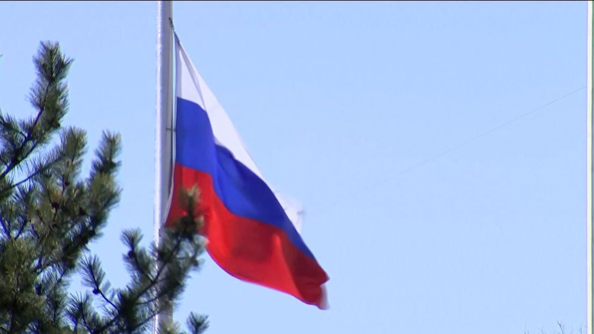 Ruská odveta. Moskva vyhostí stejný počet diplomatů jako Západ, včetně tří Čechů