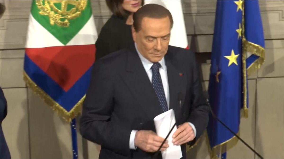 Silvio Berlusconi může kandidovat na premiéra Itálie, soud zkrátil jeho zákaz výkonu veřejných funkcí