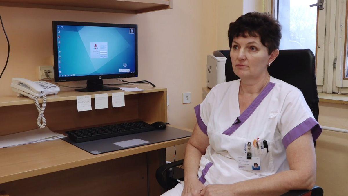 V nemocnici jsem chtěla pracovat už jako malé dítě, říká zdravotní sestřička, kterou pacienti ověnčili cenou Sestra mého srdce
