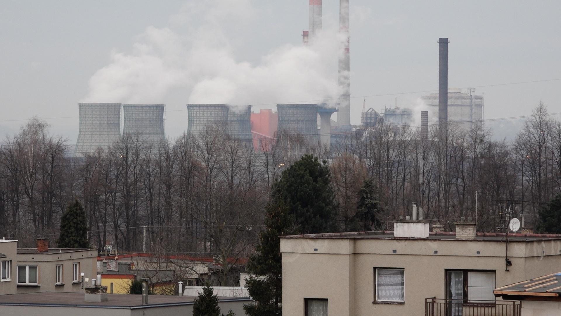 Ostravský paradox. Dva smogové poplachy za jediný týden, kvalita ovzduší se ale přitom výrazně zlepšuje