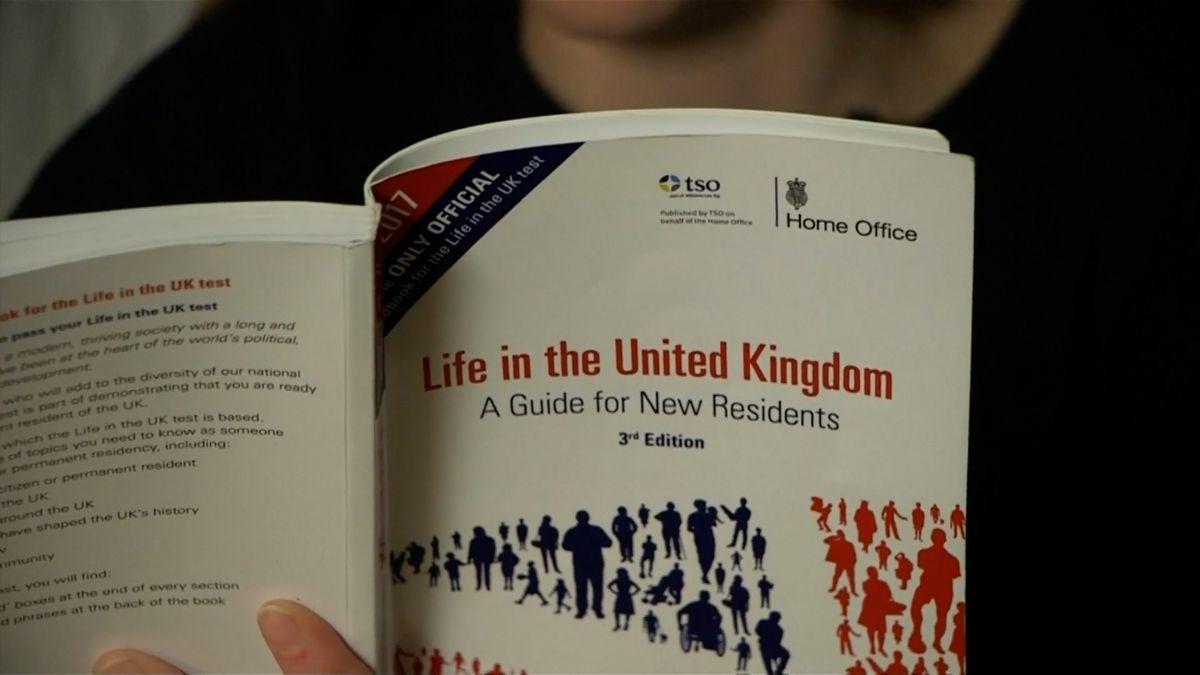 Británie neprávem vyhostila sedm tisíc studentů. Software si myslel, že podváděli při testech