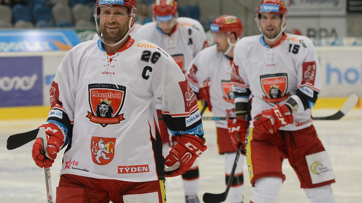 Bednář po konci kariéry zůstává u hokeje, stal se novým sportovním manažerem Hradce
