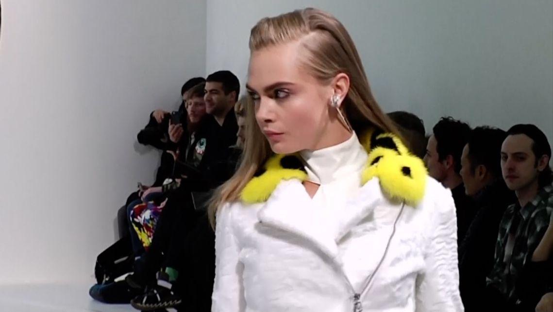 Nechci kvůli módě zabíjet zvířata, řekla Donatella Versace. Její značka přestala používat pravé kožešiny