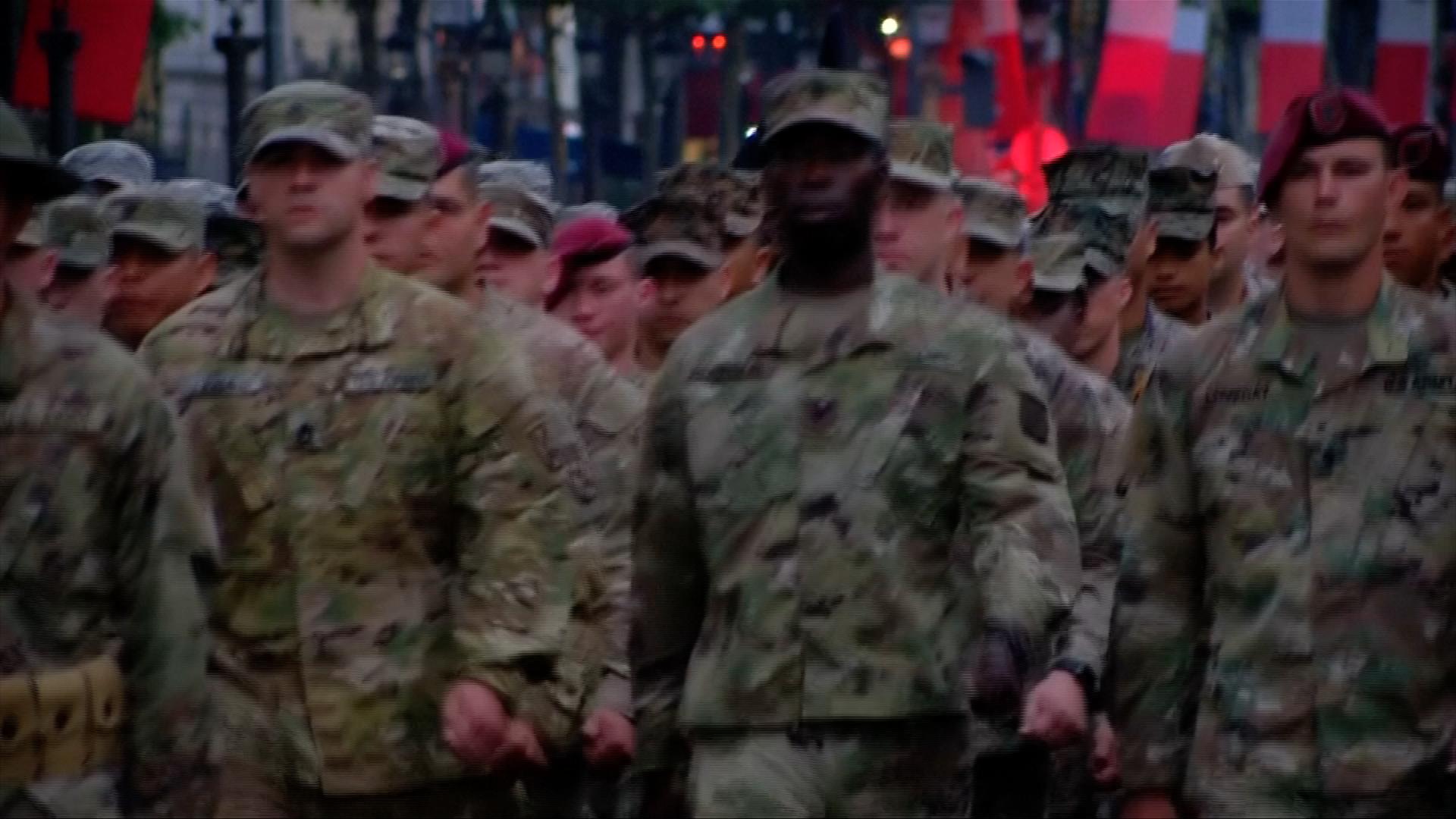 Trumpova vojenská přehlídka může stát až třicet milionů dolarů. Pentagon přitom nemá peníze na výcvik