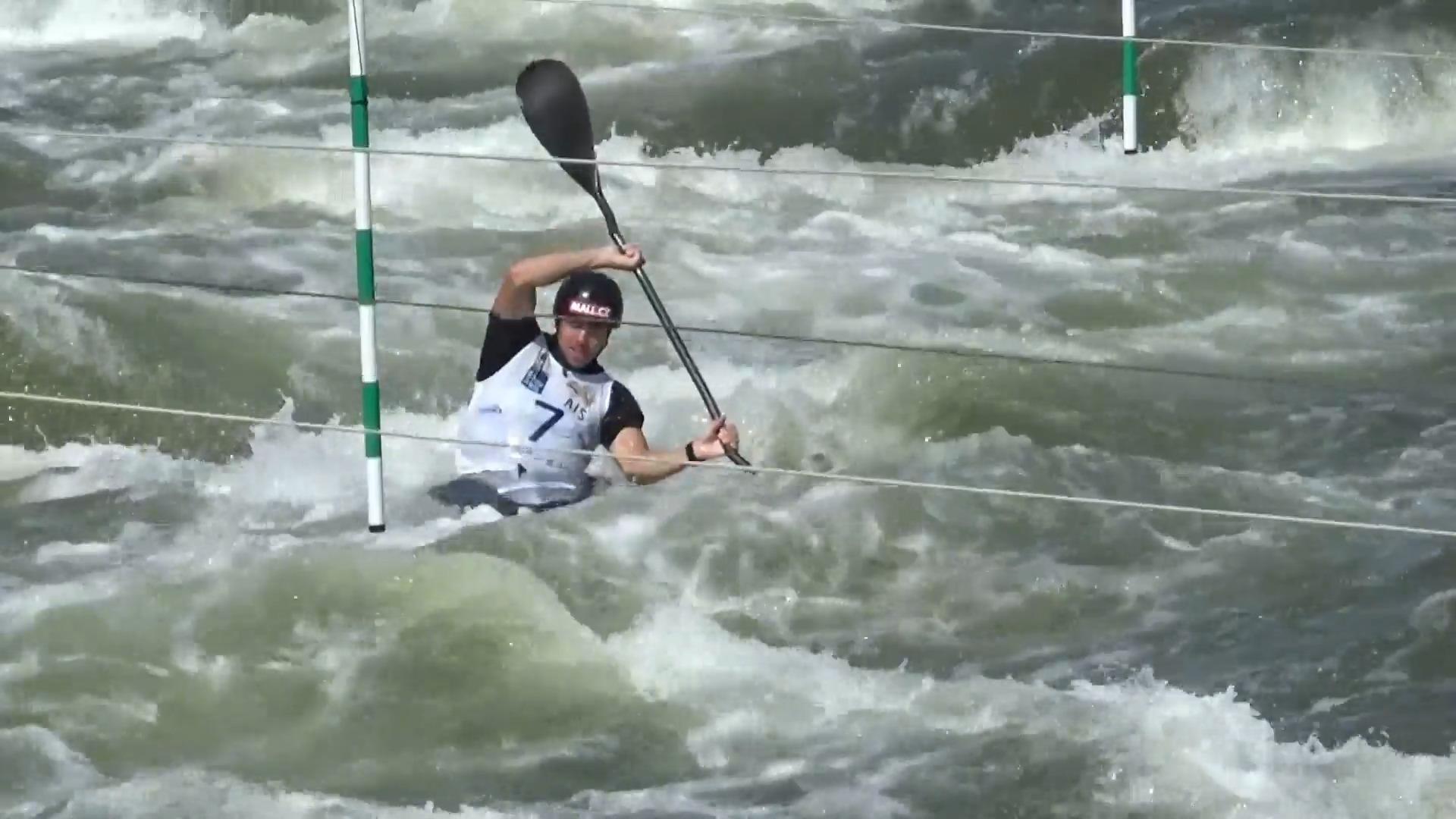 Prskavec s Hradilkem postoupili v Penrithu z kvalifikace, dařilo se i dalším vodním slalomářům