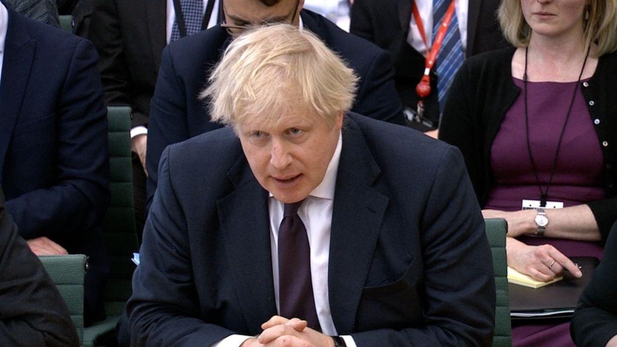 Johnson: Moskva útok na Skripala provedla kvůli volbám. Rusové se strachují o důkazy v britských rukách