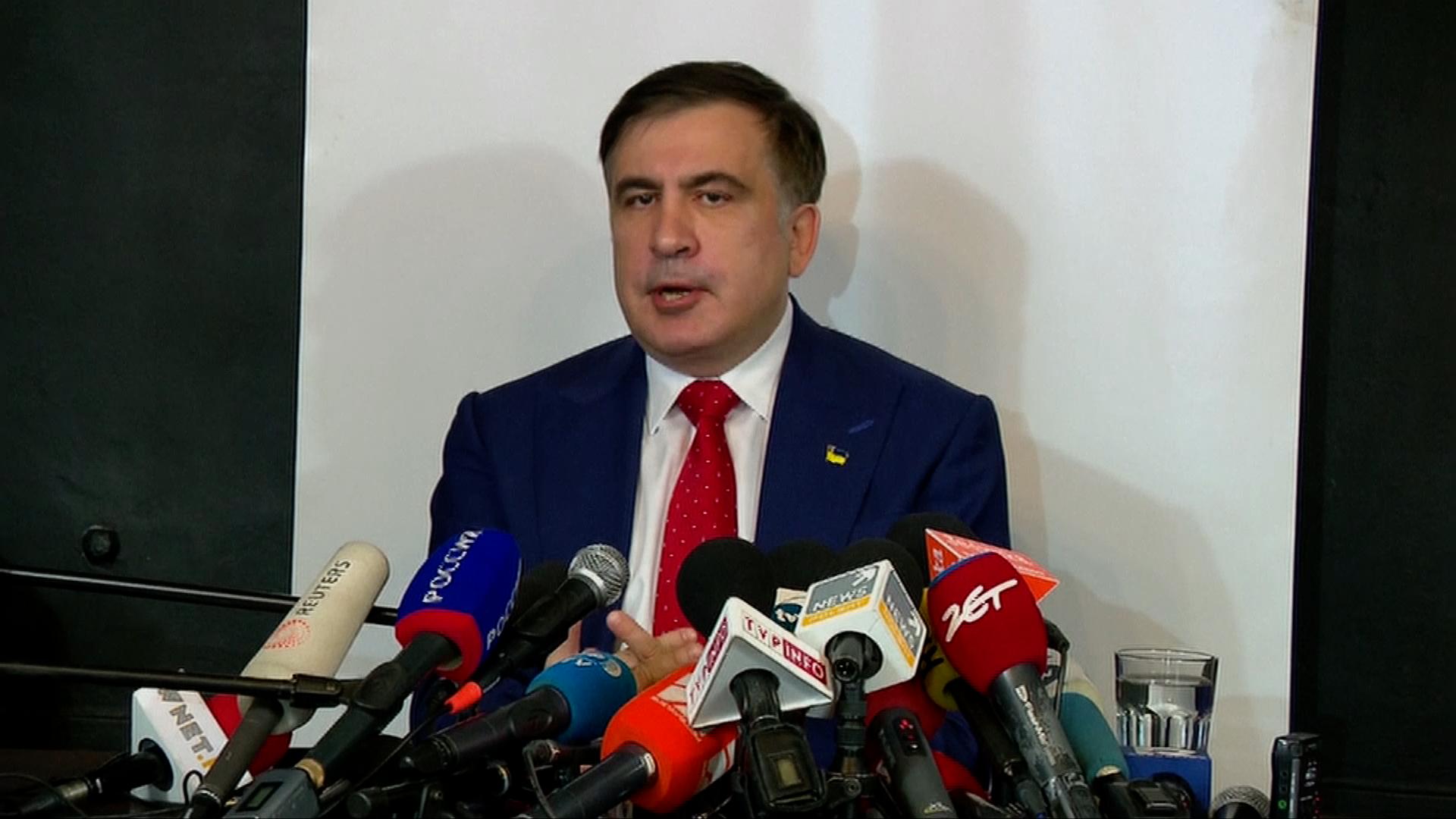Saakašvili odjel za svou rodinou do Nizozemska, chce zůstat politicky aktivní