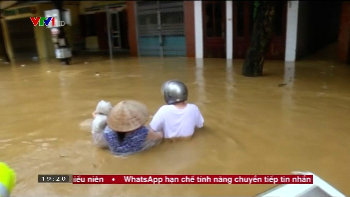 Tropická bouře ve Vietnamu způsobila smrt několika desítek lidí a sedmnácti tisíců zvířat