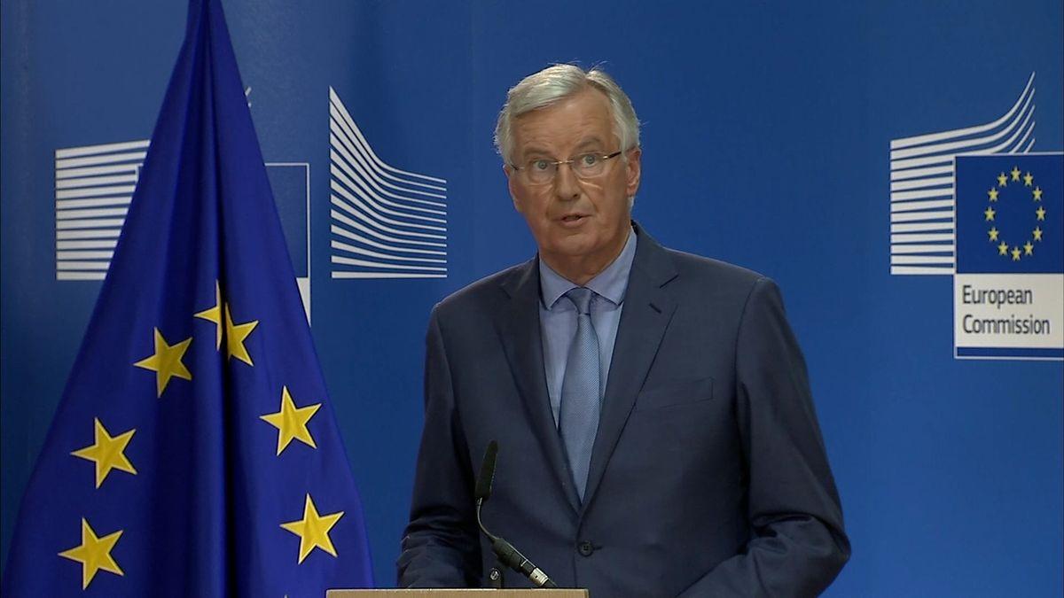 Obcházet EU při jednání o brexitu je ztráta času, varoval Barnier britskou premiérku