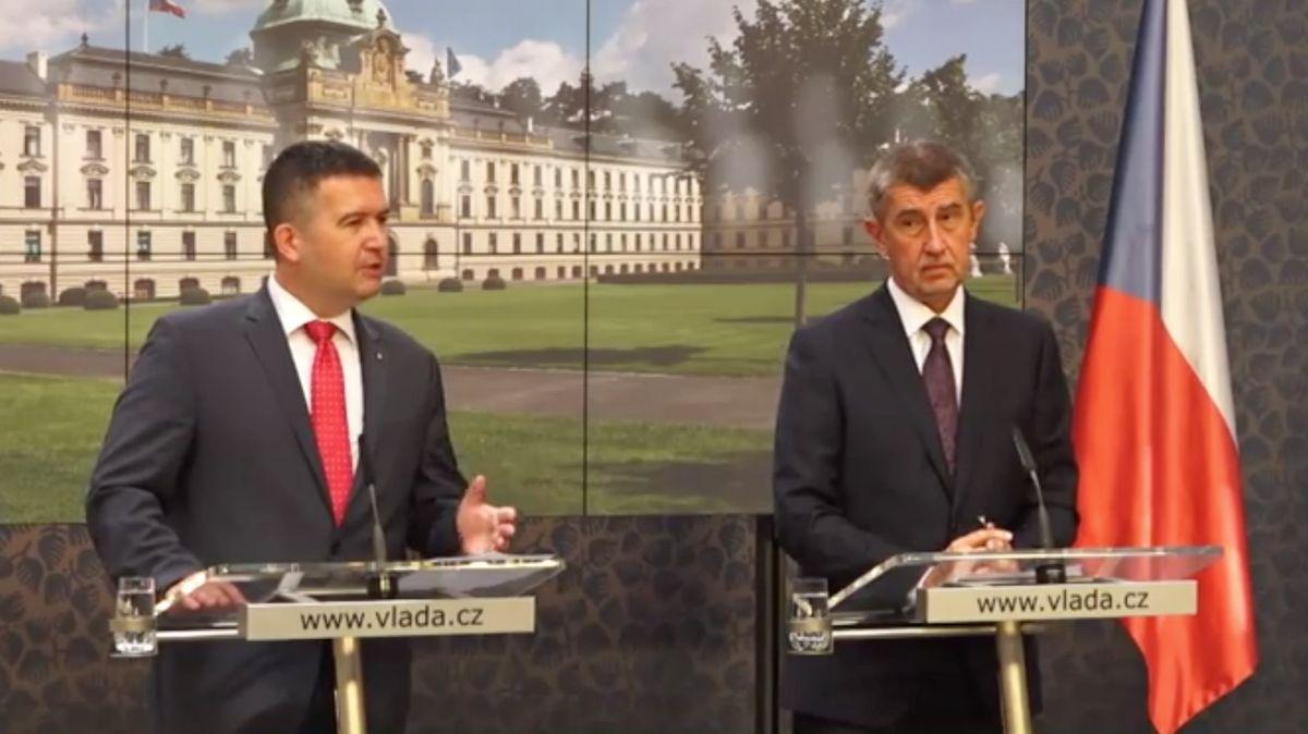 ČSSD chce ve vládě sANO zůstat. Ale hodlá ještě zatlačit na výměnu premiéra