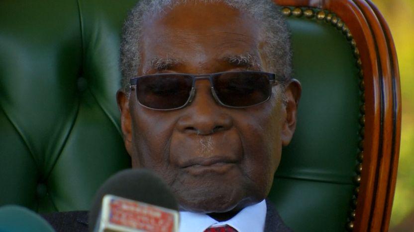 V Zimbabwe volí prezidenta. Po 30 letech se jím stane někdo jiný než Mugabe