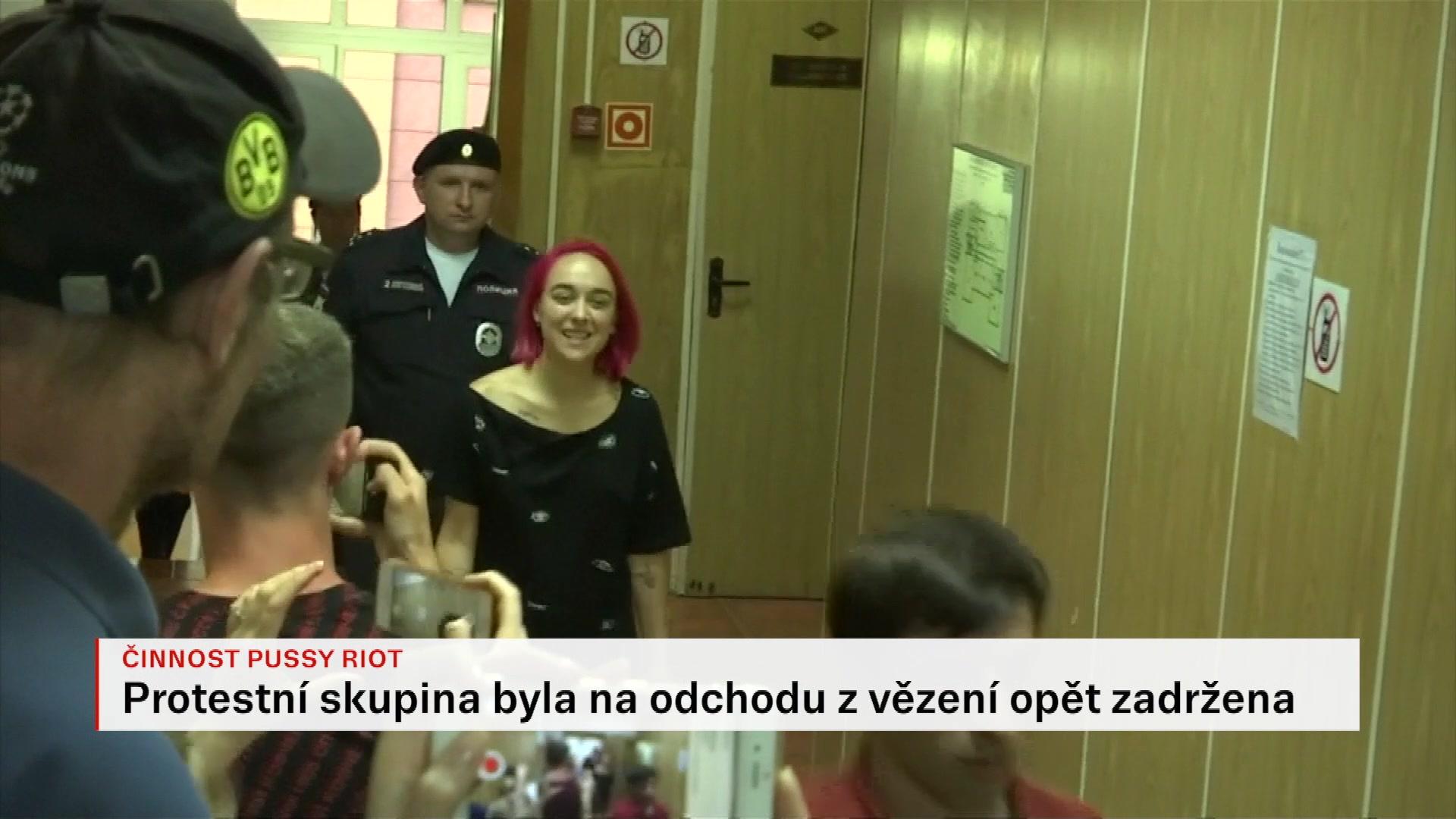 Pussy Riot dostaly v roce 2012 od moskevského soudu trest dvou let.