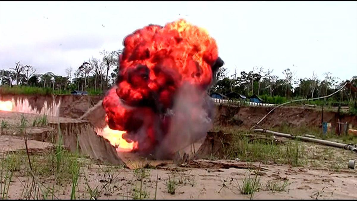 Tajný zlatý důl zničila exploze. Těžba ničí amazonský prales a otravuje řeky rtutí