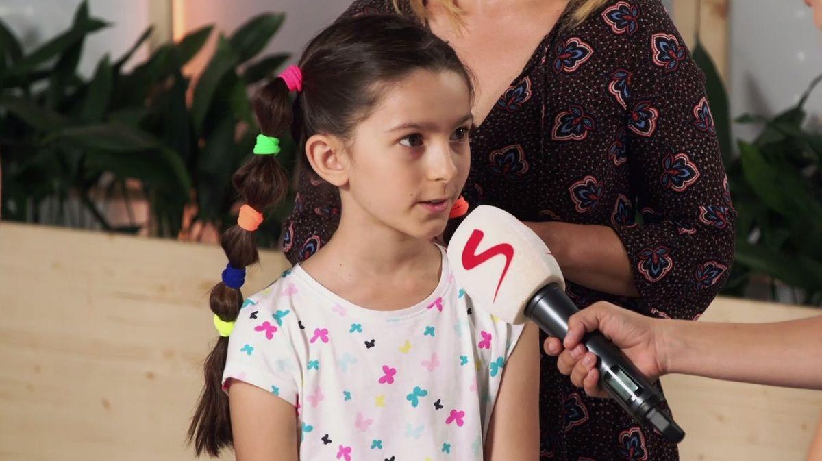 Upravovat dětem vlasy je součástí výchovy, prohlubuje to vzájemný vztah, říká psycholožka