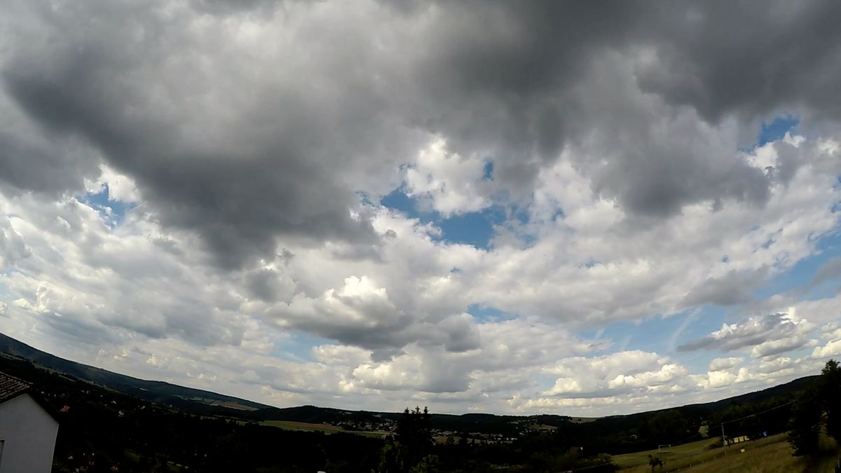 Ke konci pracovního týdne bude deštivo, začátek prázdnin by však měl být ryze letní