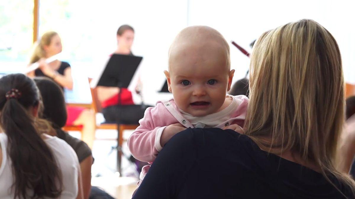 Mamablog: S malým dítětem na koncertě vážné hudby a věty, co nechce slyšet máma, která pracuje