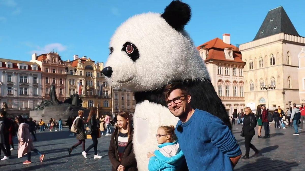 """Honest Guide: """"Pozitivní"""" výlet na Staromák. Krnáčové panda, halušky se šunkou za 890Kč a řada dalších překvapení"""