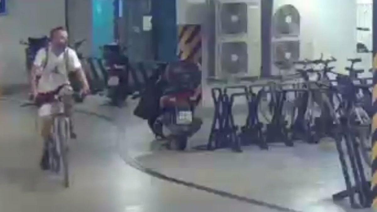 Karlínský fantom dopaden vLibni. Policisté chytili drzého zloděje kol zpodzemních garáží
