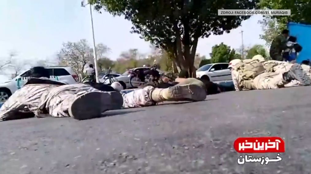 Záběry zmísta, kde zahynulo 30lidí. Prezident pohrozil odvetou