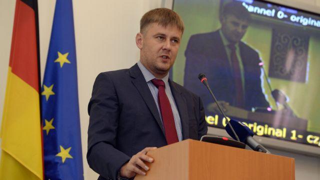 Babiš již navrhl Zemanovi Petříčka na post ministra zahraničí