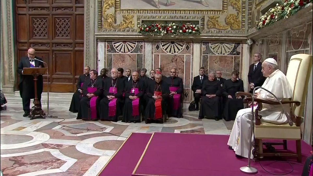 Kněží se budou učit jednat soběťmi ipachateli zneužívání dětí, summitu se zúčastní ipapež
