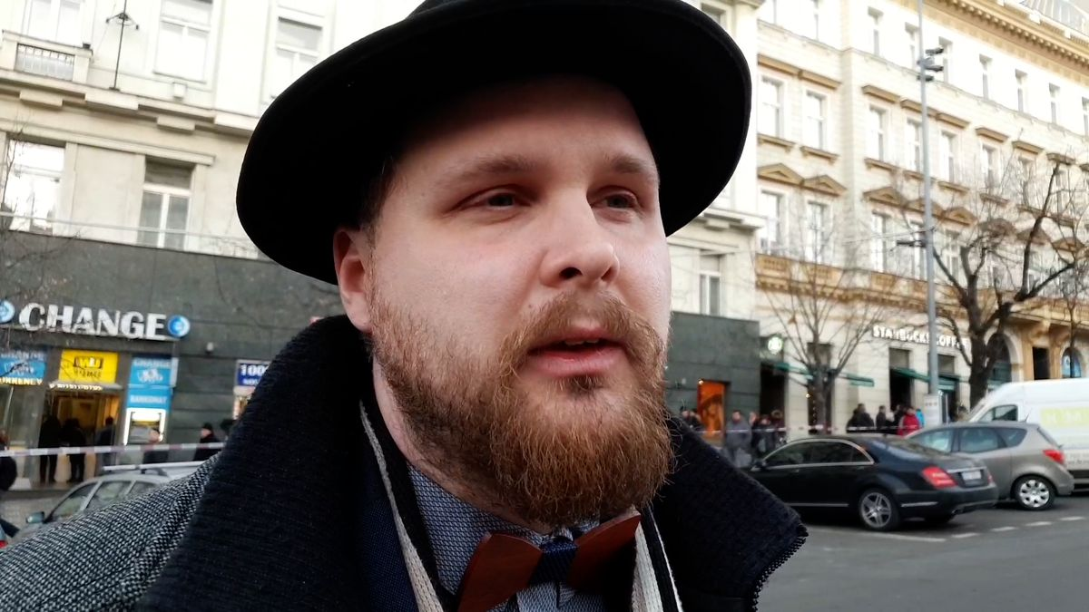 Svědectví zVáclavského náměstí: Viděl jsem doutnajícího muže. Zchladili ho minimaxem