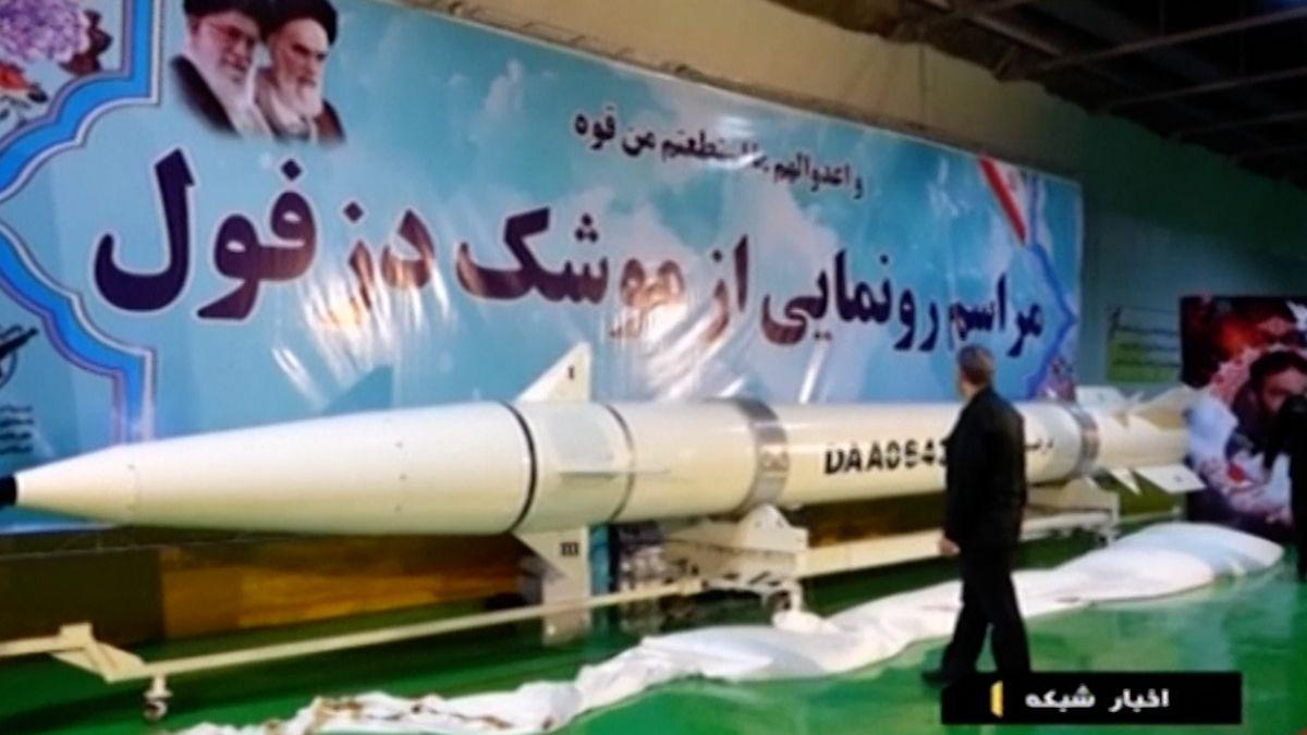 Írán odhalil novou balistickou střelu. Napětí mezi Západem a státem stoupá