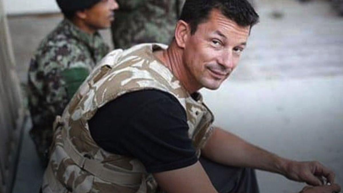 Britský novinář vzajetí IS je ipo šesti letech naživu, tvrdí ministr