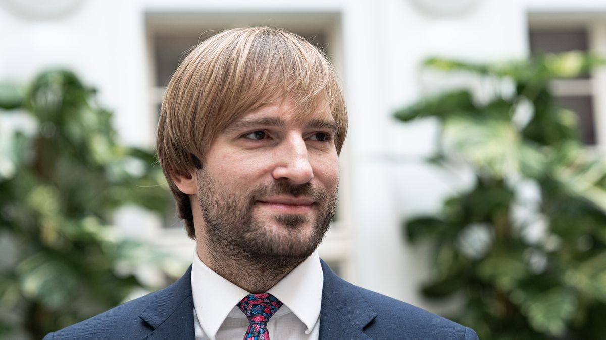 Adam Vojtěch už ministrem nebude, přesune se dle plánu do Finska