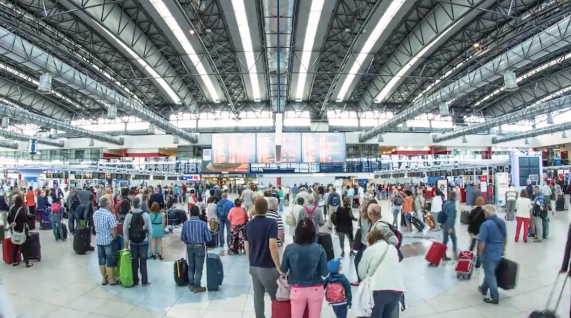 16 milionů lidí. Letiště Václava Havla odbavilo rekordní počet cestujících