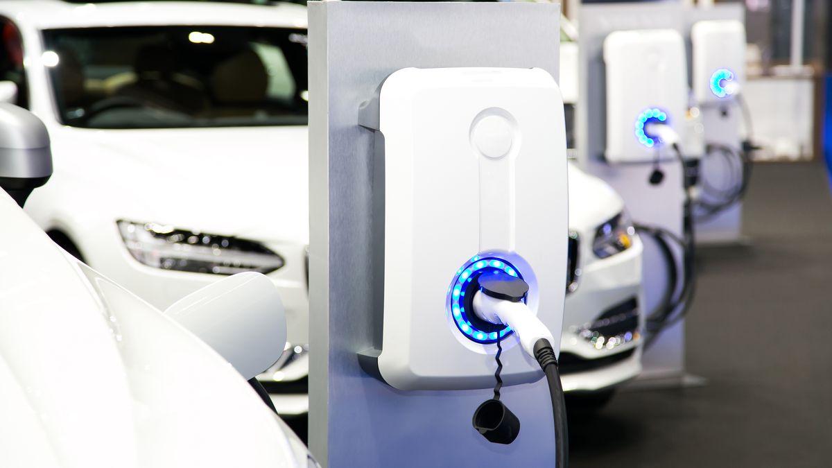 Korejské firmy se usmířily. Baterie do elektromobilů budou dál vyrábět