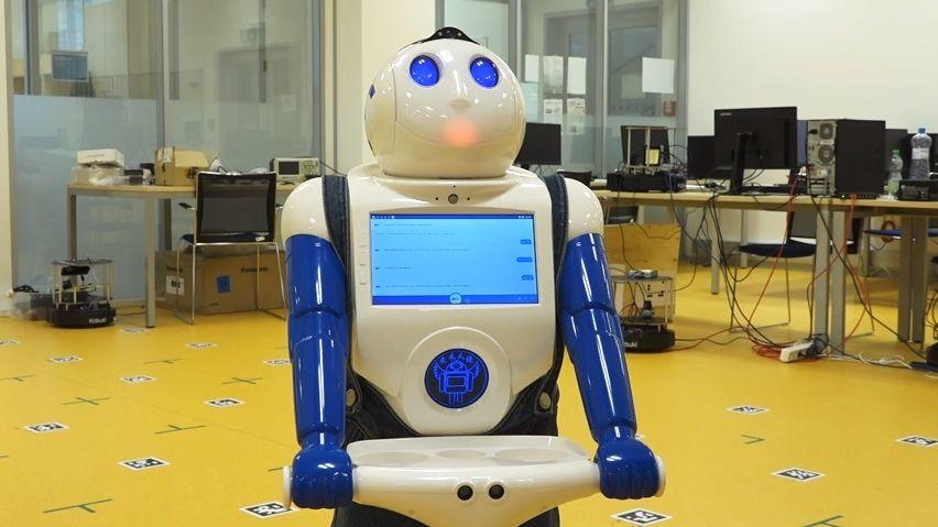 Nejlepší přítel seniora je robot. Zatančí, řekne vtip a nakoupí jídlo
