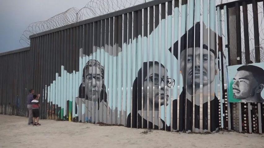 Migranti opět vpohybu. Do USA míří třítisícová karavana