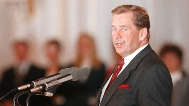 Vypořádal se Havel skomunisty? Většina lidí míní, že se snažil. Stoupenci SPD jsou proti