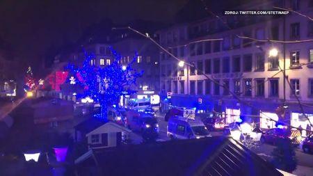 Online: Střelba ve Štrasburku. Stovky policistů pátrají po útočníkovi, nejméně 2mrví