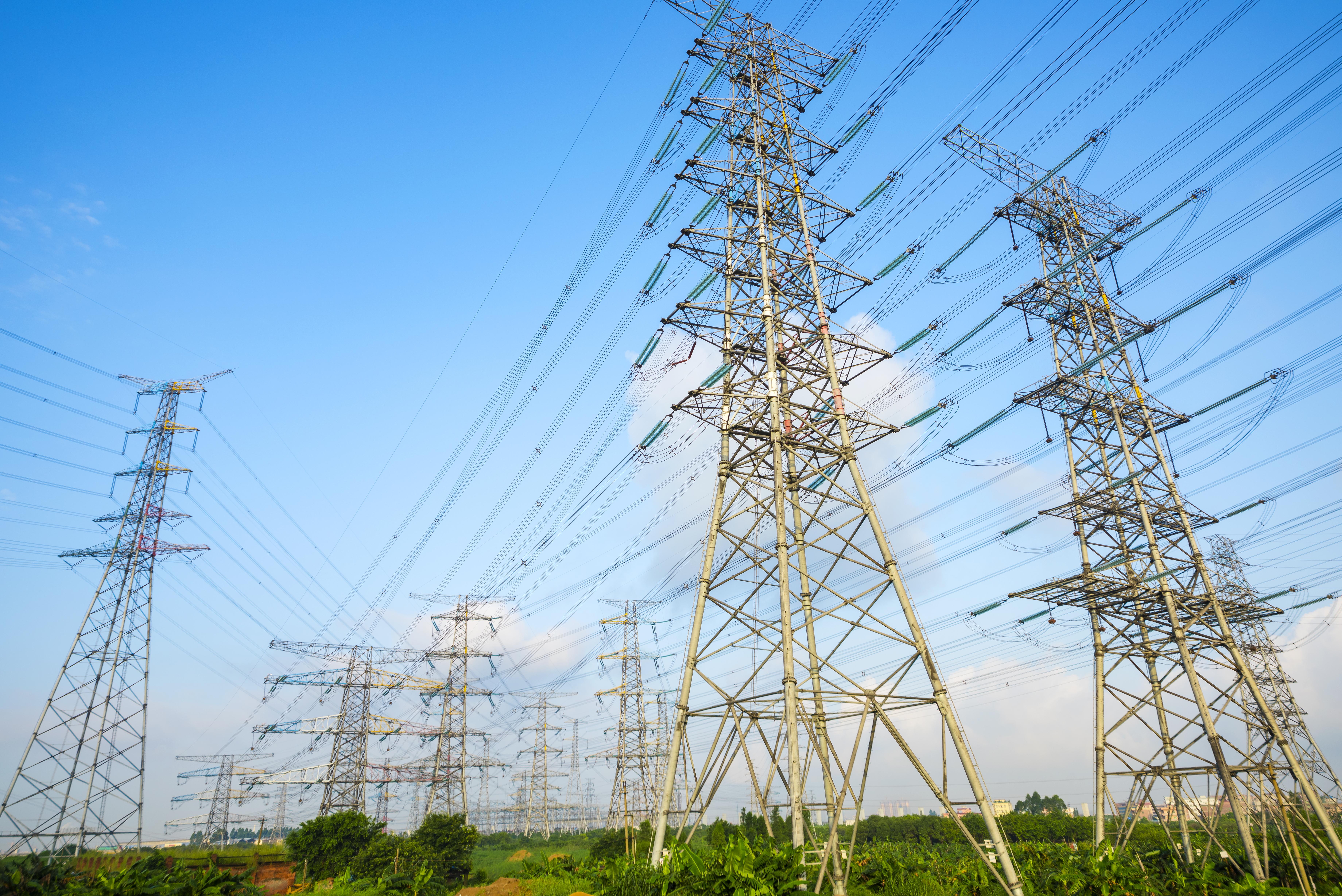Za loňský rok stoupla spotřeba ivýroba elektřiny vČesku. Export a import naopak klesly