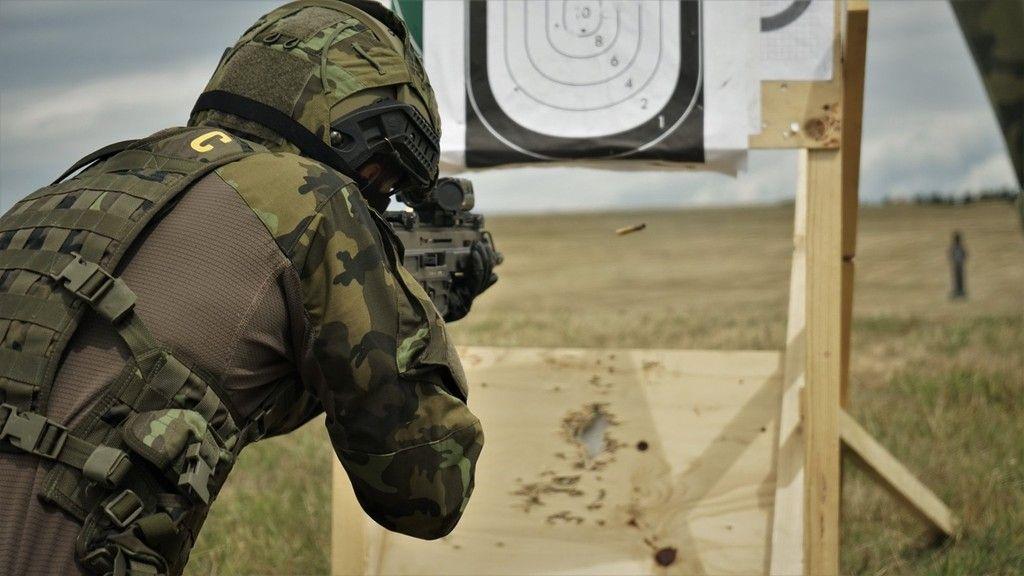 Obrana zrušila zakázku na odstřelovací pušky, vypíše ji znovu