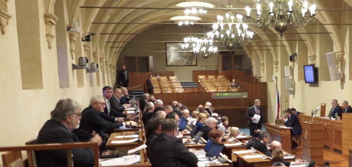 Senát odmítl zdanění náhrad církvím, novelu chce napadnout uÚstavního soudu