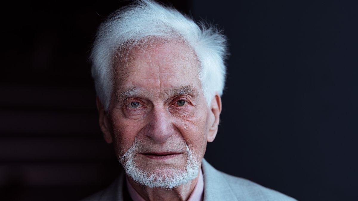 Přežil Mengeleho výběr: Hrůza byla můj denní chleba, říká pamětník