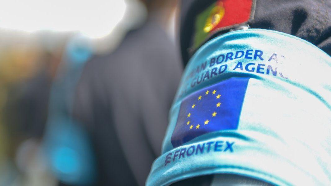 Frontex posílí, má mít 10000příslušníků. Proti jsou Itálie či Maďarsko