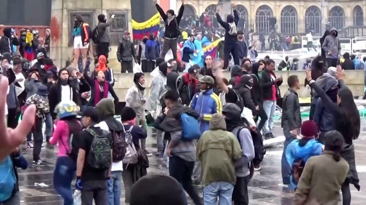VKolumbii protestují statisíce lidí, duch občanské války stále žije