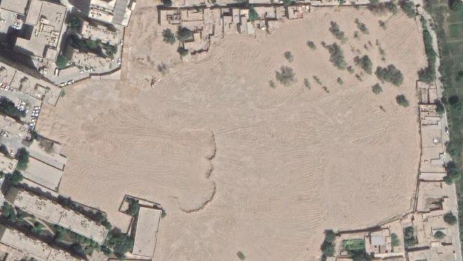Čína likviduje ujgurské hřbitovy. Za dva roky jich zmizela stovka