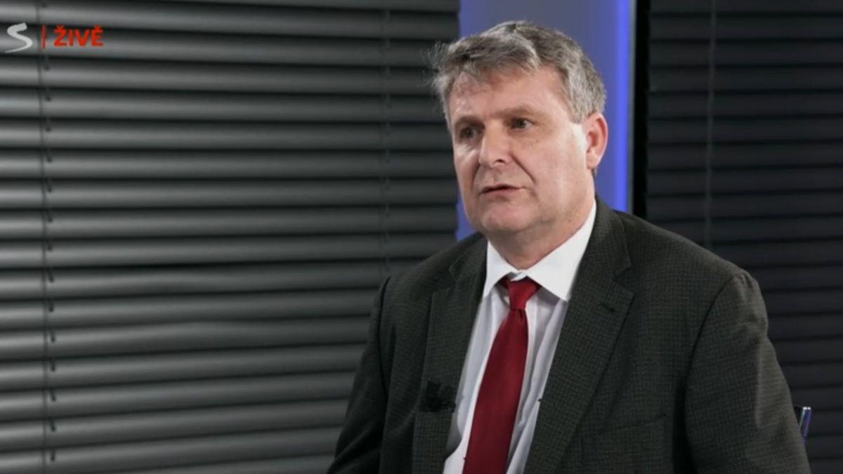 Uznání fašismu není vzájmu našich občanů, kritizuje komunista Grospič ministra Petříčka