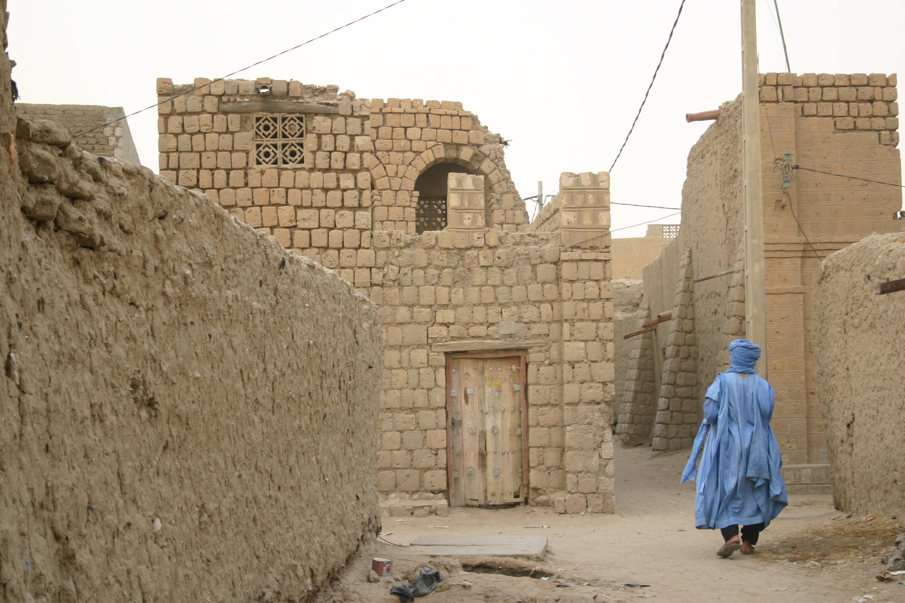 """""""Ozbrojenci na motorkách zabili 42lidí,"""" popsal údajný útok islamistů vMali tuarežský lídr"""