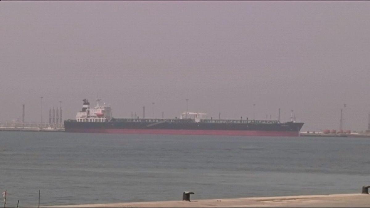 Obchodní lodě plující poblíž SAE prý byly terčem sabotáže